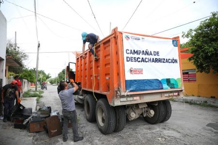 Buena participación ciudadana en jornada de descacharrización en Mérida este fin de semana