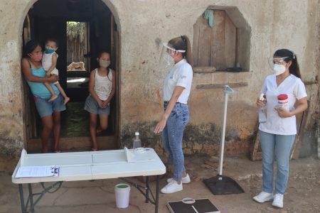 Enseñan a jóvenes familias de Yucatán a nutrirse con frutales que tienen en sus casas