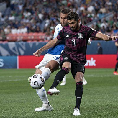 Ni Henry Martín ni Alan Pulido solucionan la falta de gol de la selección mexicana