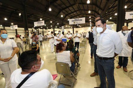 Millennials comienzan a vacunarse en Mérida