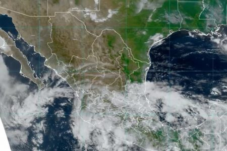 Lluvias fuertes en la Península de Yucatán por posible formación ciclónica