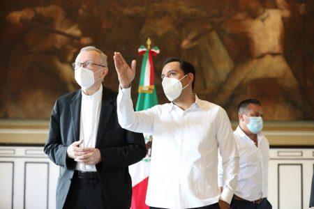 El gobernador Mauricio Vila invita al Papa Francisco a visitar Yucatán