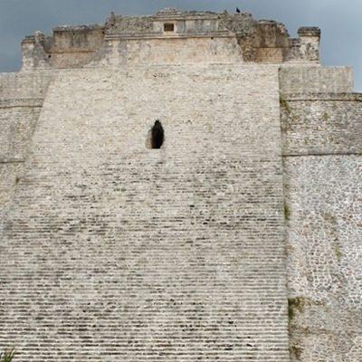 Por caso sospechoso de Covid-19, cierran la zona arqueológica de Uxmal
