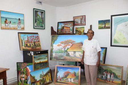 Faustino Tutzin Itzá, promotor de la cultura maya a través de sus cuadros