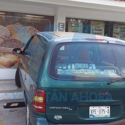 Quiso 'inaugurar' el auto servicio en el Oxxo de Gran Santa Fe