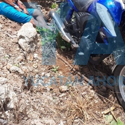 Chocan padre e hijo en motocicleta, con saldo trágico