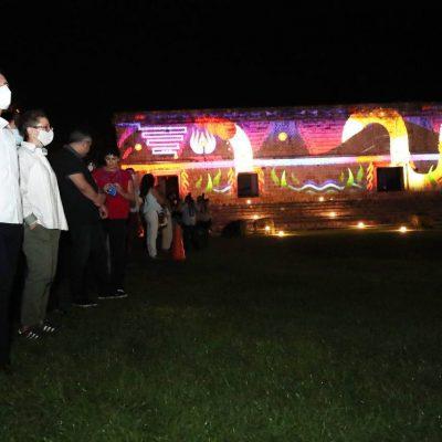 El Gobernador Mauricio Vila supervisa el espectáculo Ecos de Uxmal