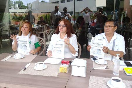 Jubilados denuncian que les 'jinetean' sus ahorros de cesantía y vejez
