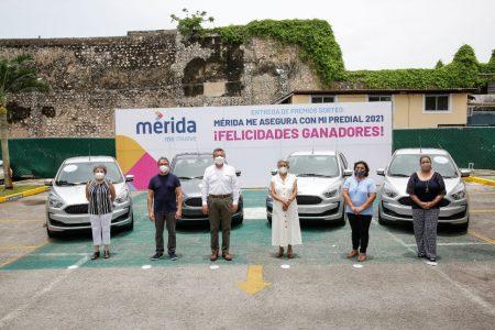 Entregan premios a los ganadores del sorteo 'Mérida me asegura con mi Predial 2021'