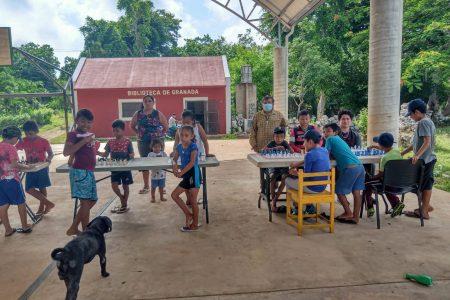 Partida entre el ajedrez y el alcoholismo en comunidad maya de Yucatán