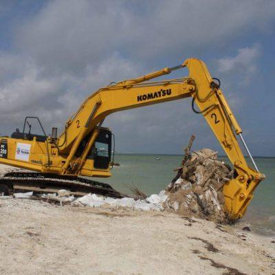 Retiran más de 270 espolones ilegales en la costa yucateca