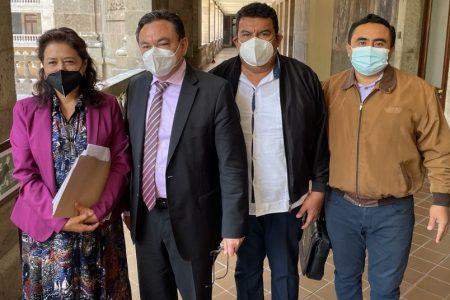 Piden segunda oportunidad para 93 maestros yucatecos