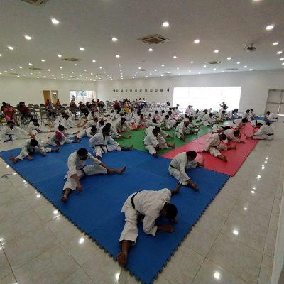 Realizan en Mérida seminario de karate nivel cinta negra