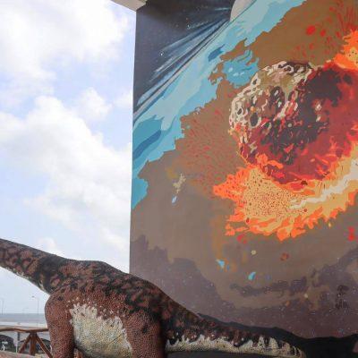 Dinosaurios dan la bienvenida en Plaza Puerta Progreso