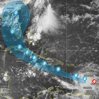 Huracán Elsa amenaza islas del Caribe; Yucatán se salva