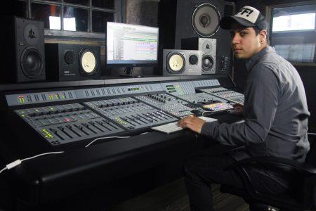 J. Ferron, un productor que pone en alto el nombre de México en el ámbito musical