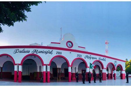 Antena de adorno en Mayapán: desde hace tres días no tienen servicio de telefonía celular