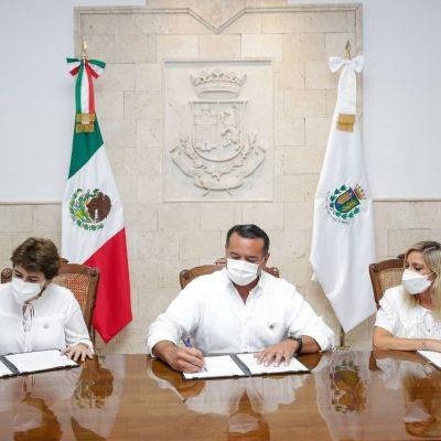 Acto histórico: Renán Barrera firma el acta de entrega-recepción de la administración municipal