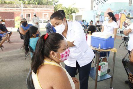 Aplicarán segundas dosis a personas de 40 a 49 años en 18 municipios de Yucatán