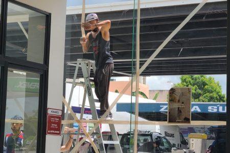 Meridanos comienzan preparativos para recibir al huracán Grace