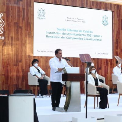 Julián Zacarías ofrece un sistema de transporte urbano eficiente en Progreso
