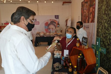 Impulsan la reactivación económica de microempresarios del interior de Yucatán