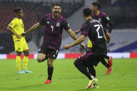 Henry Martín entra de cambio y salva del desastre a la selección mexicana contra Jamaica