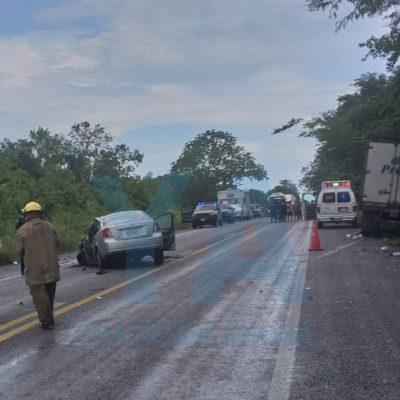 Muere prensado tras chocar en la carretera Mérida-Chetumal