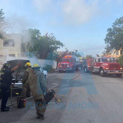Se quema un Oldsmobile en la avenida García Lavín
