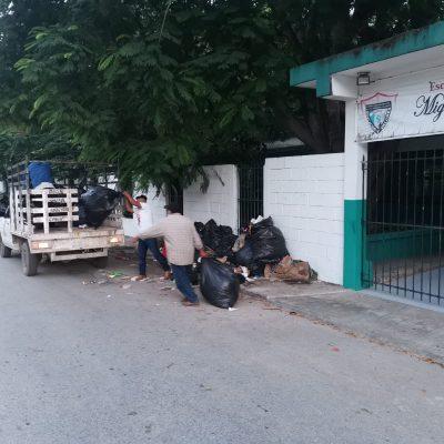 Recolectan basura generada por el mantenimiento de escuelas en Tizimín