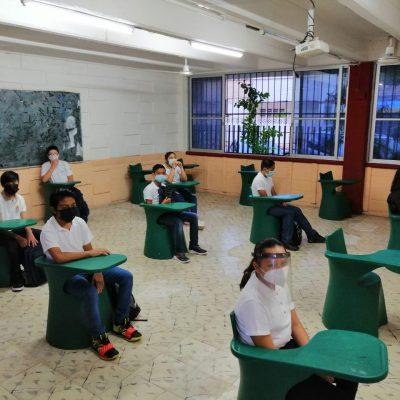 Secundarias reanudan clases presenciales con un poco más de afluencia que las primarias