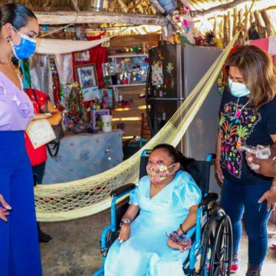DIF de Tizimín y DIF Yucatán entregan sillas de ruedas a personas vulnerables