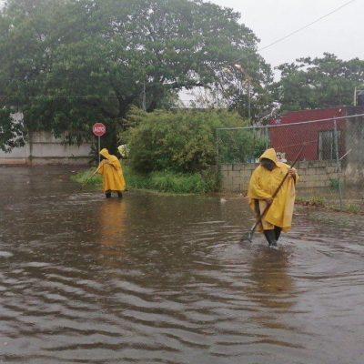 Fuertes lluvias dejan bajo agua varias colonias de Mérida