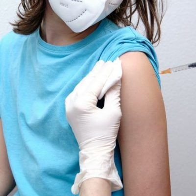 Pionera en Yucatán: vía amparo, quinceañera será vacunada contra Covid-19