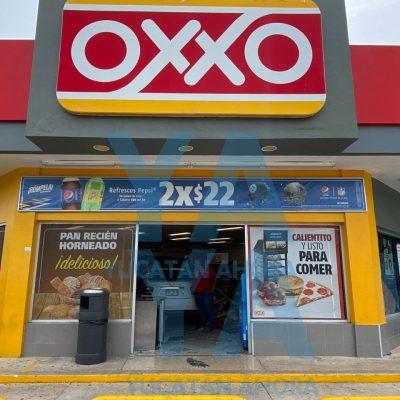 Auto entra completamente al Oxxo de la colonia México