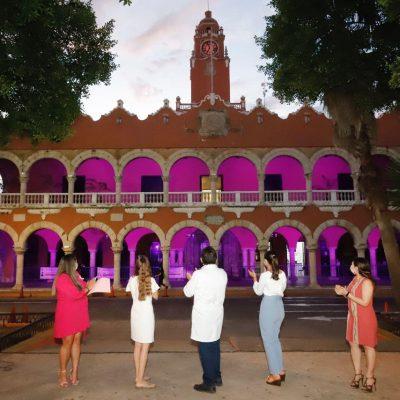 Mérida se ilumina de rosa para hacer conciencia sobre la detección