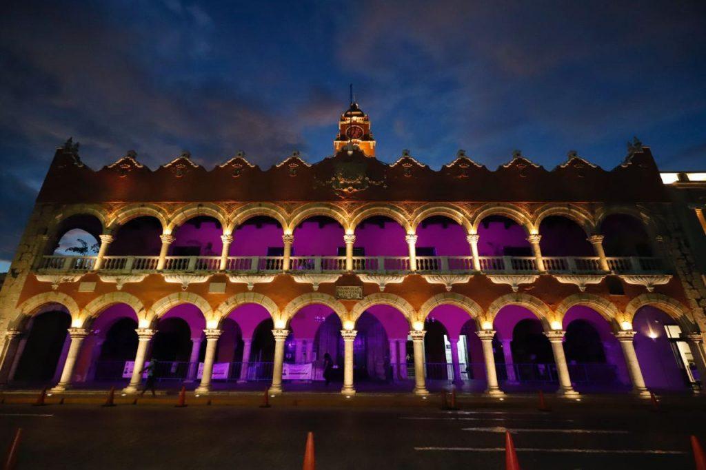 Mérida se ilumina de rosa para hacer conciencia sobre la detección –  Yucatan Ahora