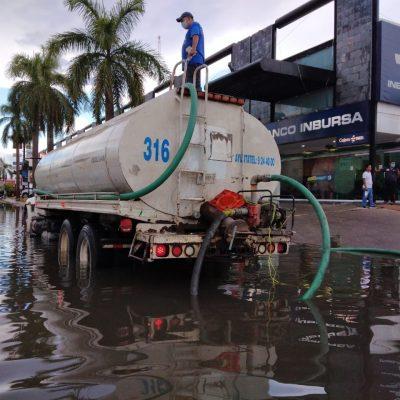 Atiende el Ayuntamiento de Mérida reportes de calles inundadas en el poniente de la ciudad