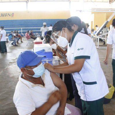 Sin contratiempos, inicia vacunación contra Covid-19 para personas de 30 a 39 años, en Tizimín y Umán
