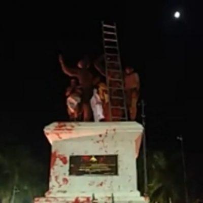Al grito de 'somos mayas', vandalizan monumento a los Montejo en Mérida