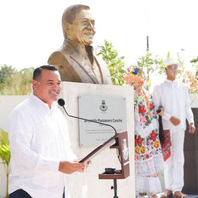 Mérida rinde homenaje a su eterno enamorado, Armando Manzanero