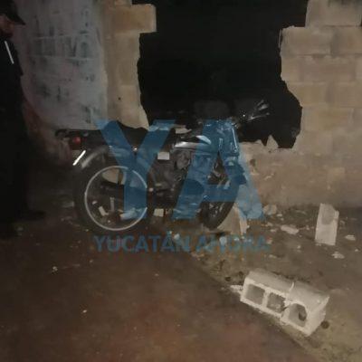 Tres adolescentes lesionados: se impacta su moto contra un muro